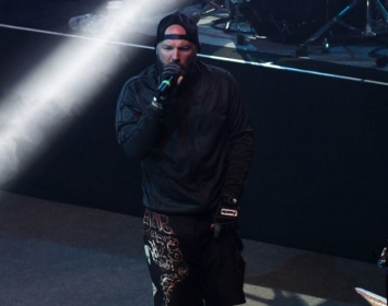 Fred Durst of Limp Bizkit rocks Barmetal