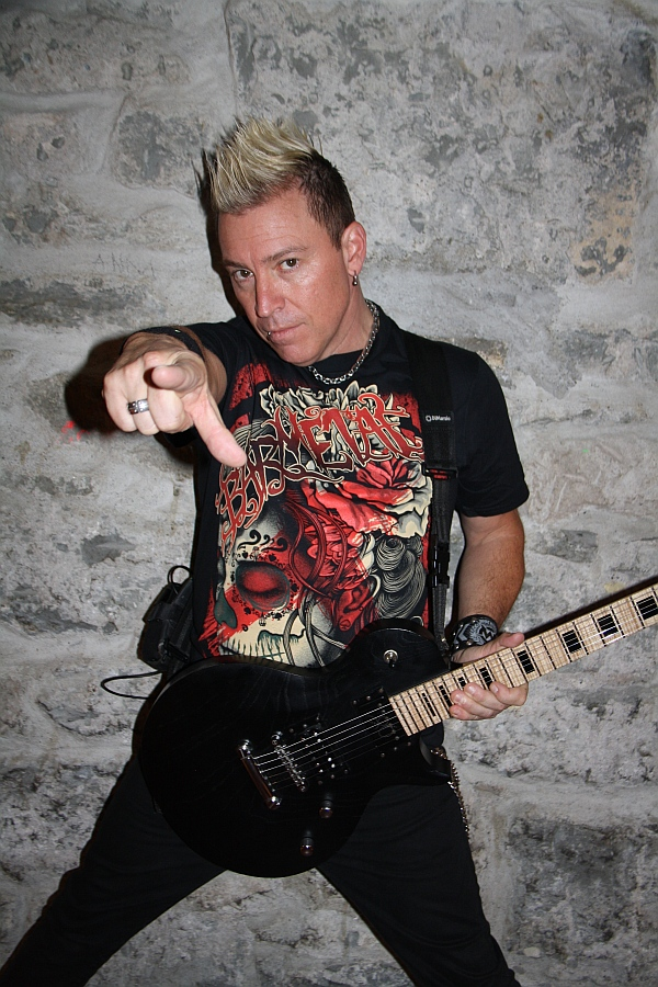Billy Grey of Fozzy