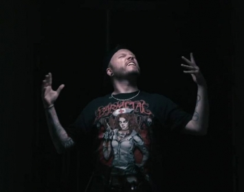 "Barmetal gear in Sickret's new video ""Pressure"""